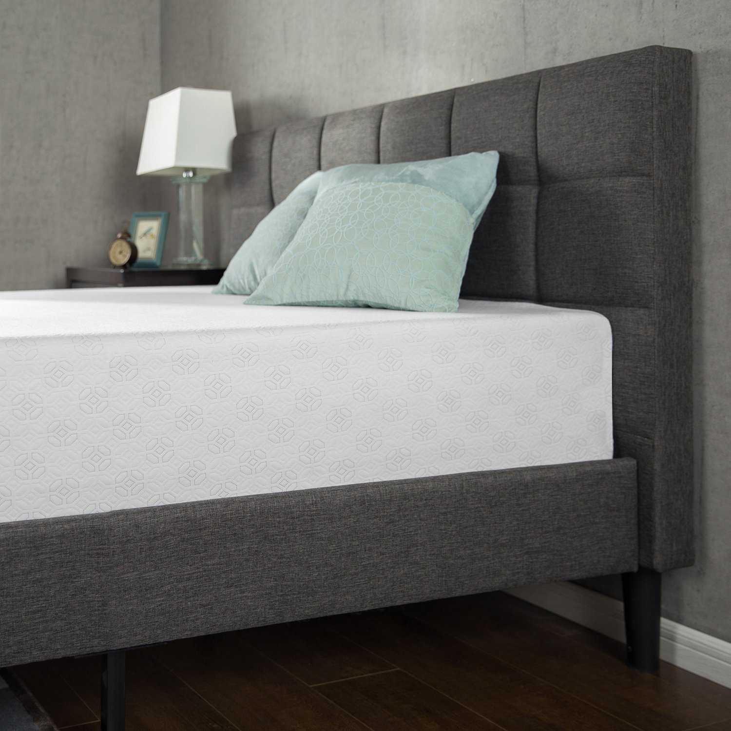 Zinus 12 Inch Gel-Infused Green Tea Memory Foam Mattress
