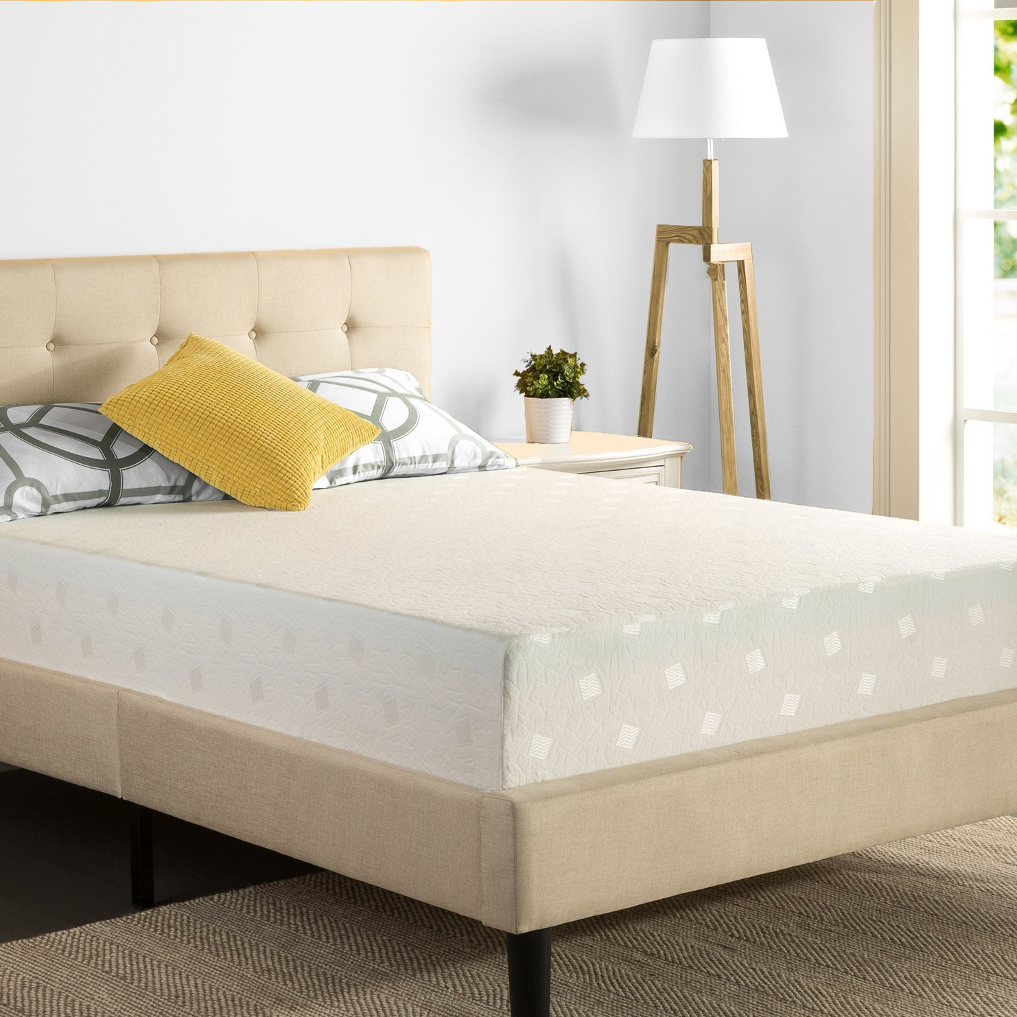 Zinus 12 inch Memory Foam Multi-Layer Airflow Mattress