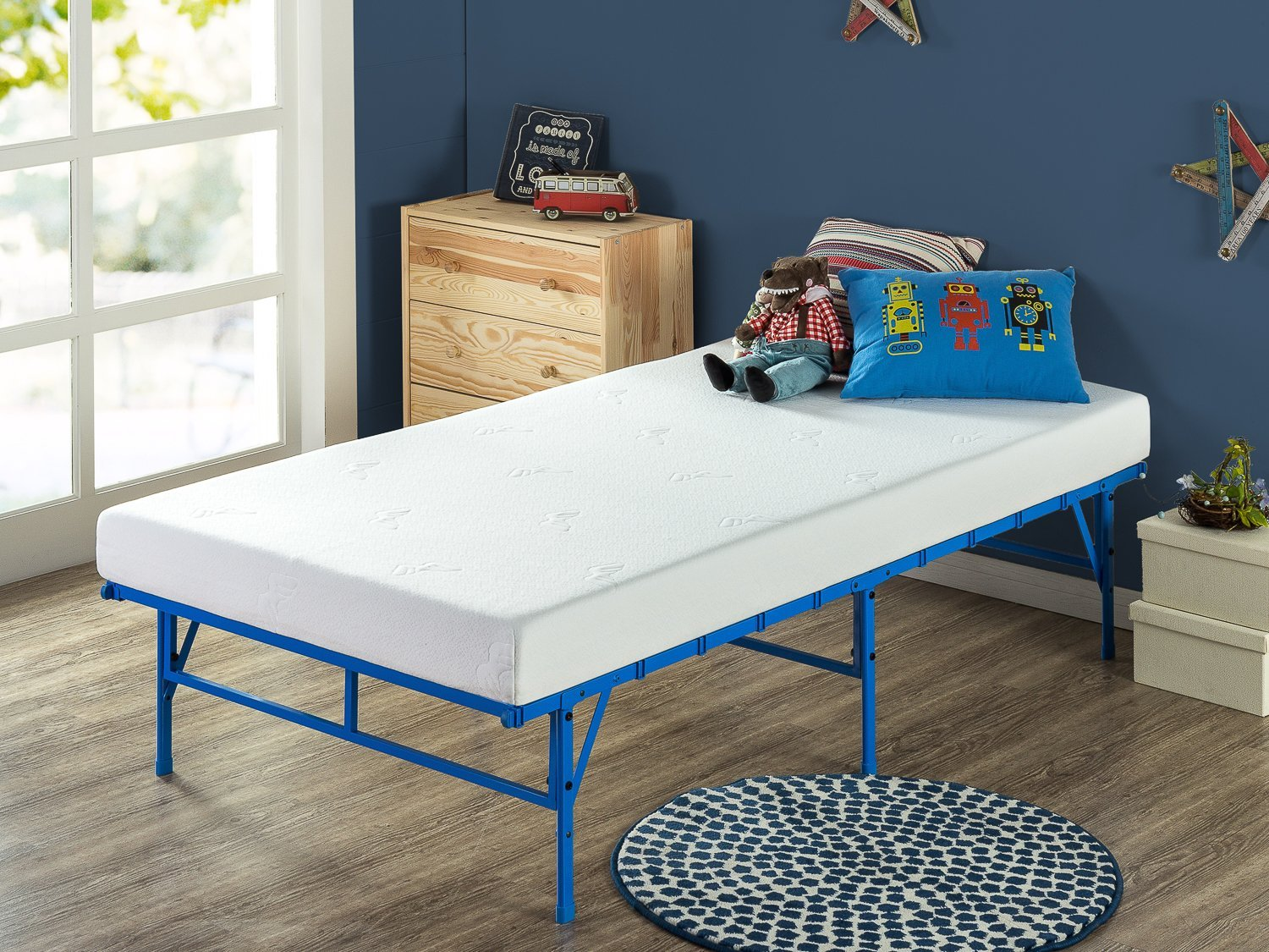 Zinus 5 Inch Memory Foam Mattress Set with Easy to Assemble SmartBase